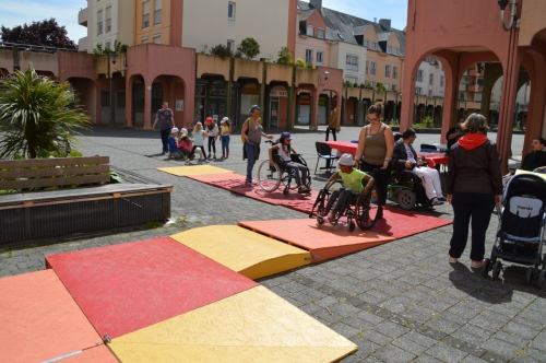 sensibilisation handicap moteur, sensibilisation APF, sensibiliser enfant handicap